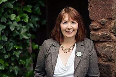Sandra Ireland